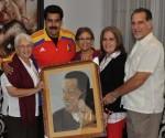 Presidente Maduro recibió pintura del Héroe cubano  Antonio Guerrero