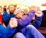 Evacuan a pasajeros de barco ruso atrapado en hielo antártico