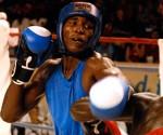 Se recupera el bicampeón mundial Julio César La Cruz tras una agresión