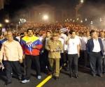 Presidentes de la CELAC participan en multitudinaria Marcha de las Antorchas