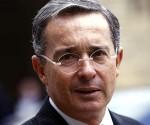 FARC-EP denuncia a ex-presidente Uribe por presunto espionaje