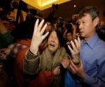 Familiares de víctimas de avión de Malaysia Airlines exigen explicación sobre lo ocurrido con el aparato
