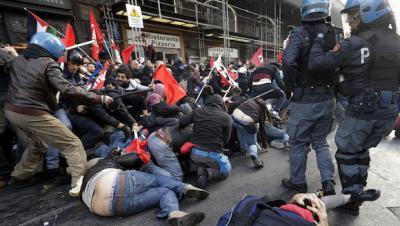 Protesta en Roma deriva en batalla campal: Más de 80 heridos